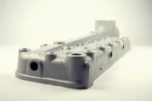 Odlew aluminiowy forma piaskowa rdzeniowana głowica mercedes